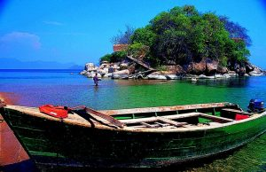 mumbo-island-kayak-africa